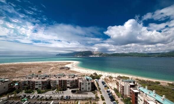 praia-de-troia-portugal-opt